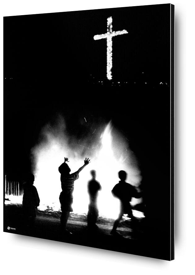 Cruz del Papa - Photo copyright Thierry Pons from Thierry Pons, Prodi Art, America, South, America, South, cross, cross, fire, fire, city, celebration, party, celebration, celebration, christ, Jesus, children, children, kids, God, God, flames, flames, night, night, light, light, game, game, play, Venezuela, Latin, Venezuela, Christian, christian, guyana, ceremony, spirit, mind