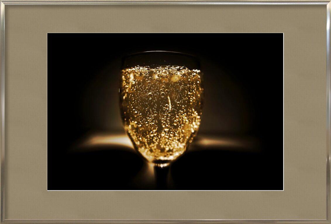 Bulles de Pierre Gaultier, Prodi Art, brouiller, bouteille, fête, gros plan, du froid, foncé, boisson, concentrer, verre, luxe, alcoolique, bar, Champagne, classe, cristal, verre à boire, or, liquide, de l'alcool, pétillant, vin pétillant