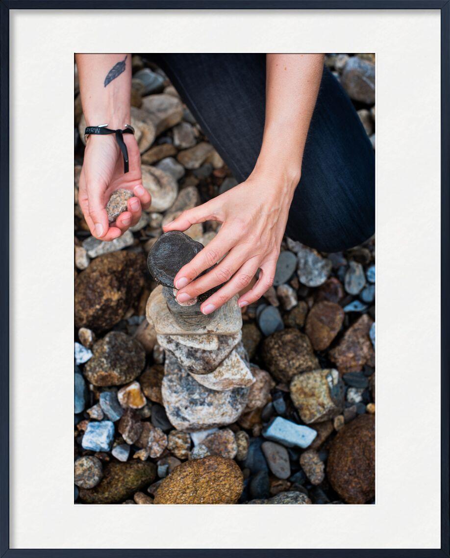 Carine de Marie Guibouin, Prodi Art, âme, marie guibouin, femme, plume, mains, pierre, créativité, magicienne, land art