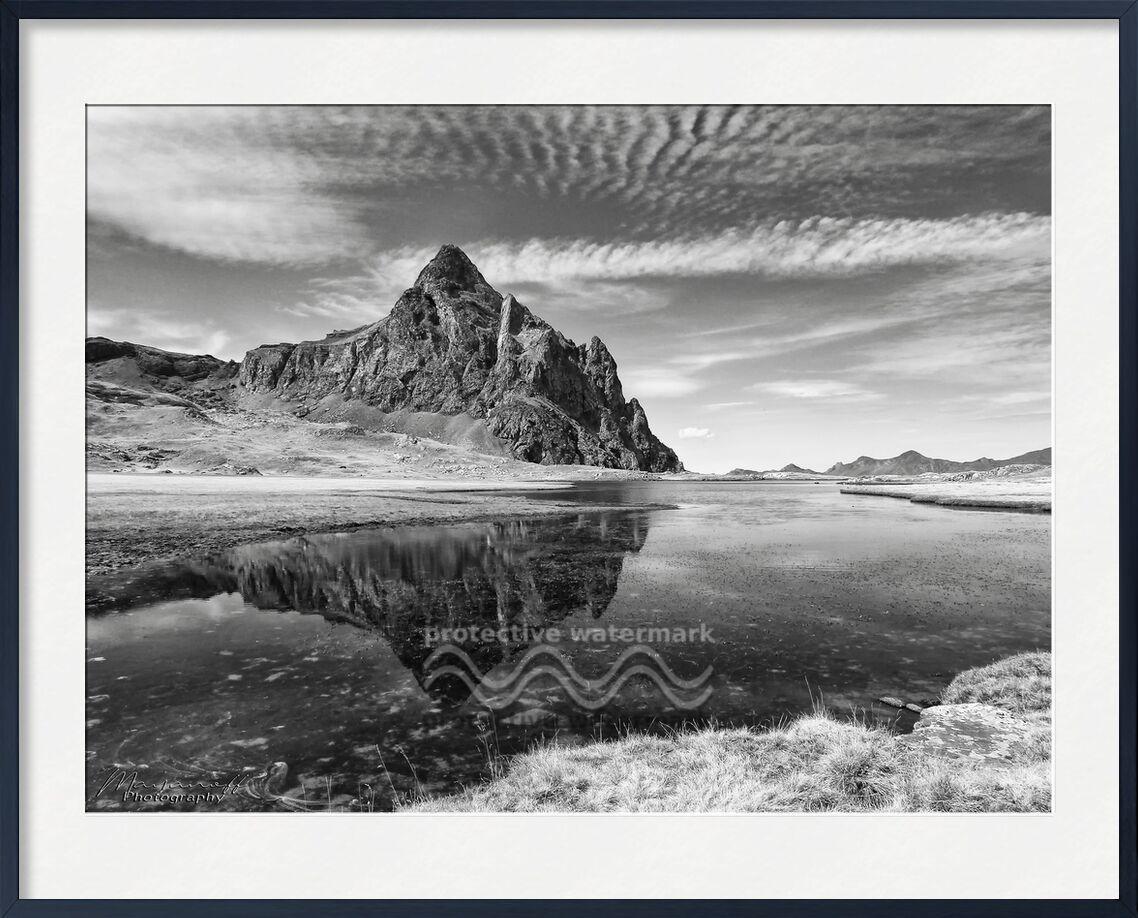 Reflet minéral de Mayanoff Photography, Prodi Art, minéral, de pointe, montagnes, pic, nature, paysage, Lac, pyrénées, montagnes, noir et blanc