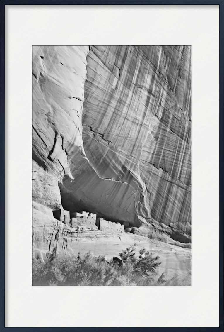 "View From River Valley ""Canyon De Chelly"" National Monument Arizona - Ansel Adams von AUX BEAUX-ARTS, Prodi Art, ANSEL ADAMS, Tal, schwarz & weiß, Berge, Klippe"