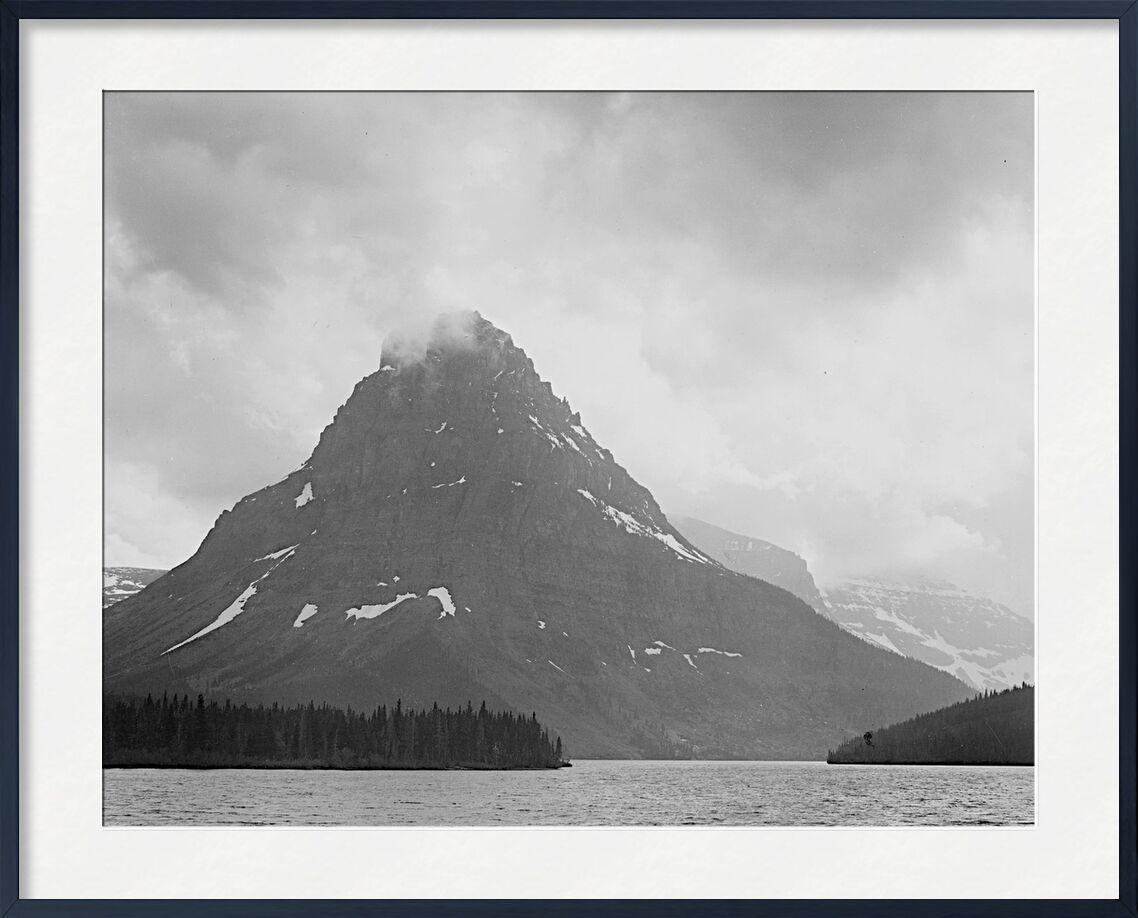 High Lone Mountain Peak Lake In Foreground - Ansel Adams desde AUX BEAUX-ARTS, Prodi Art, ANSEL ADAMS, montañas, invierno, nieve, blanco y negro