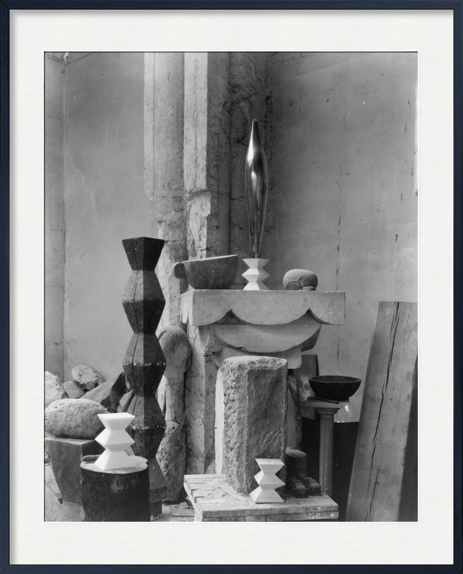 Brancusi's Studio, 1920 - Edward Steichen desde AUX BEAUX-ARTS, Prodi Art, Edward Steichen, blanco y negro, escultura, taller
