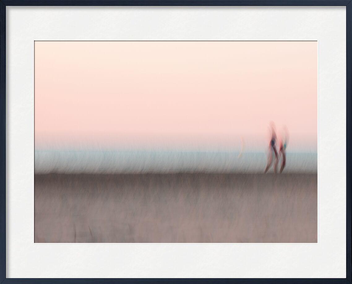 Les marcheurs de l'aube de Céline Pivoine Eyes, Prodi Art, Photographie abstraite, art abstrait, flou artistique, Mouvement intentionnel de la caméra, ICM, Personnage, gruissan, Aube, rose, nature, plage, paysage, Promeneur, Marcheur