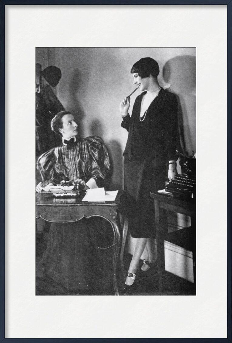 Lois Long at her New Yorker office - Edward Steichen 1921 from AUX BEAUX-ARTS, Prodi Art, woman, dress, black-and-white, edward steichen, desk, job, secretary