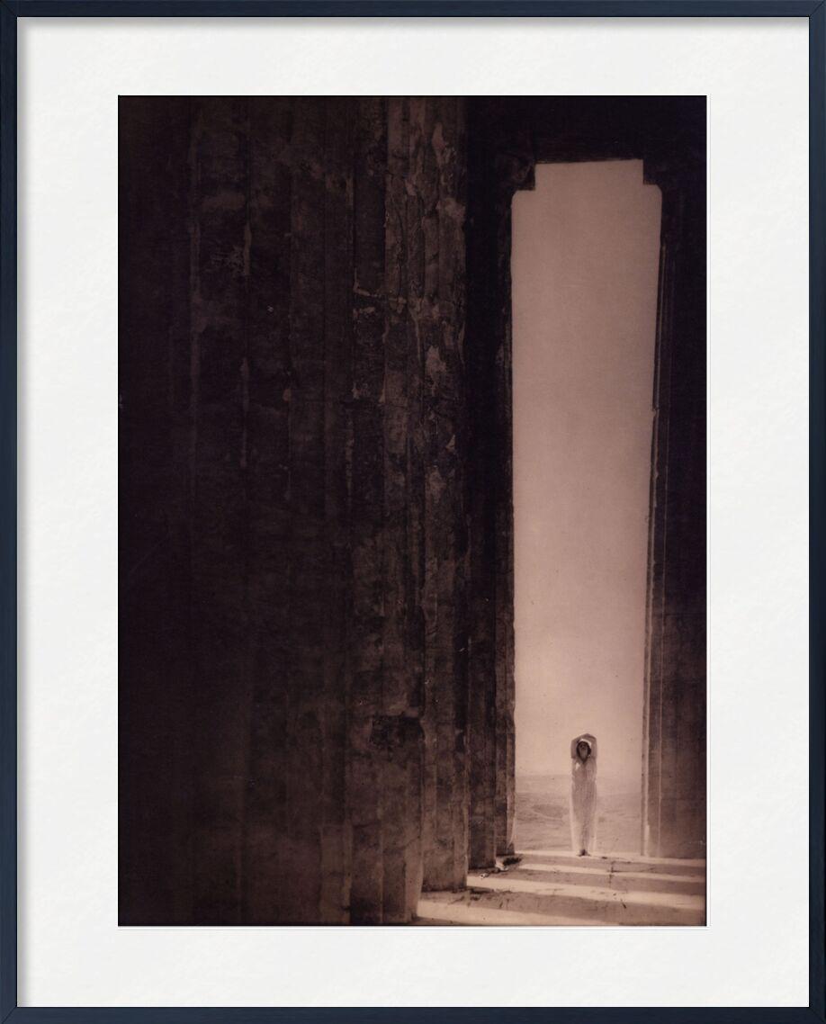 Isadora Duncan in the Parthenon - Edward Steichen 1921 from AUX BEAUX-ARTS, Prodi Art, sand, desert, black-and-white, edward steichen, egypt, Pantheon, Parthenon, pyramid