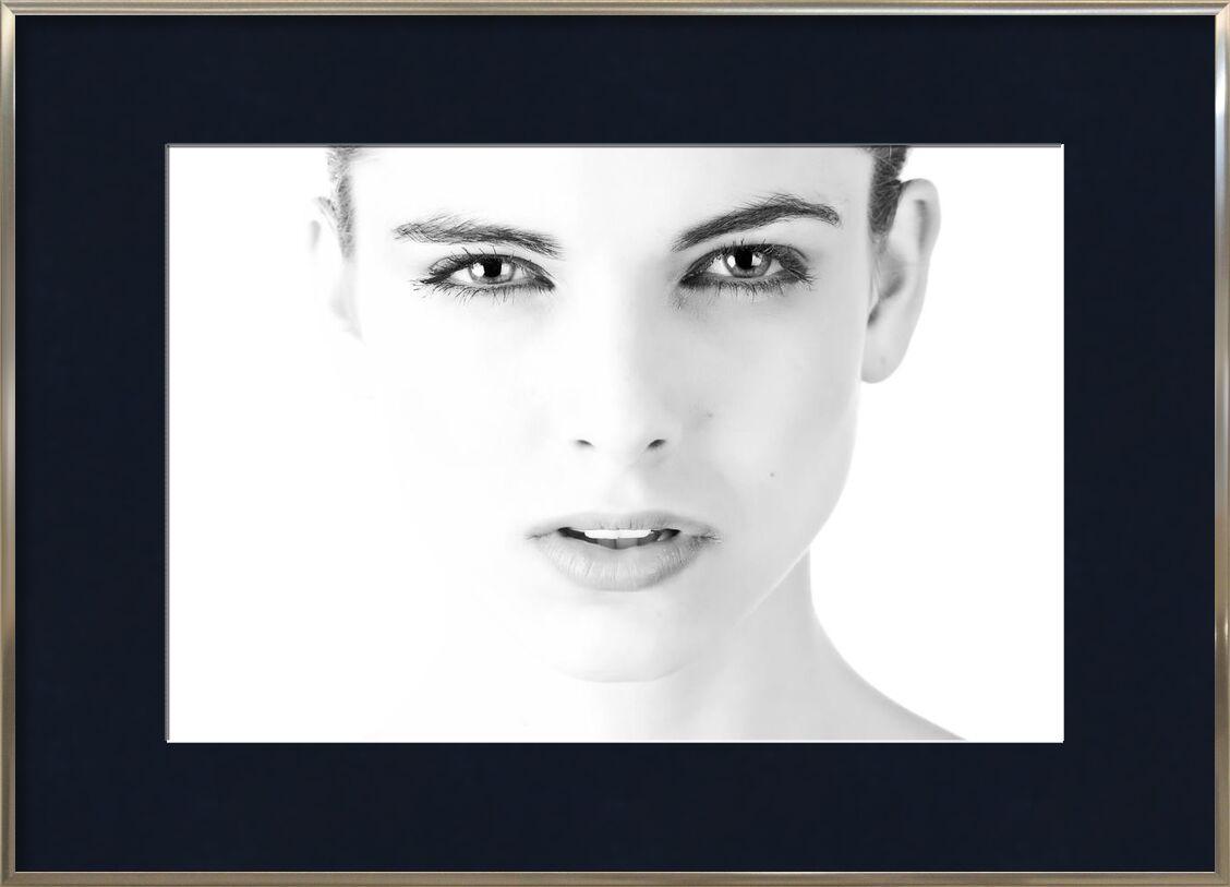 Visage noir & blanc de Pierre Gaultier, Prodi Art, noir et blanc, gros plan, les yeux, visage, le visage, expression, femelle, fille, Humain, Dame, lèvres, Regardez, la personne, joli, peau, femme, Jeune