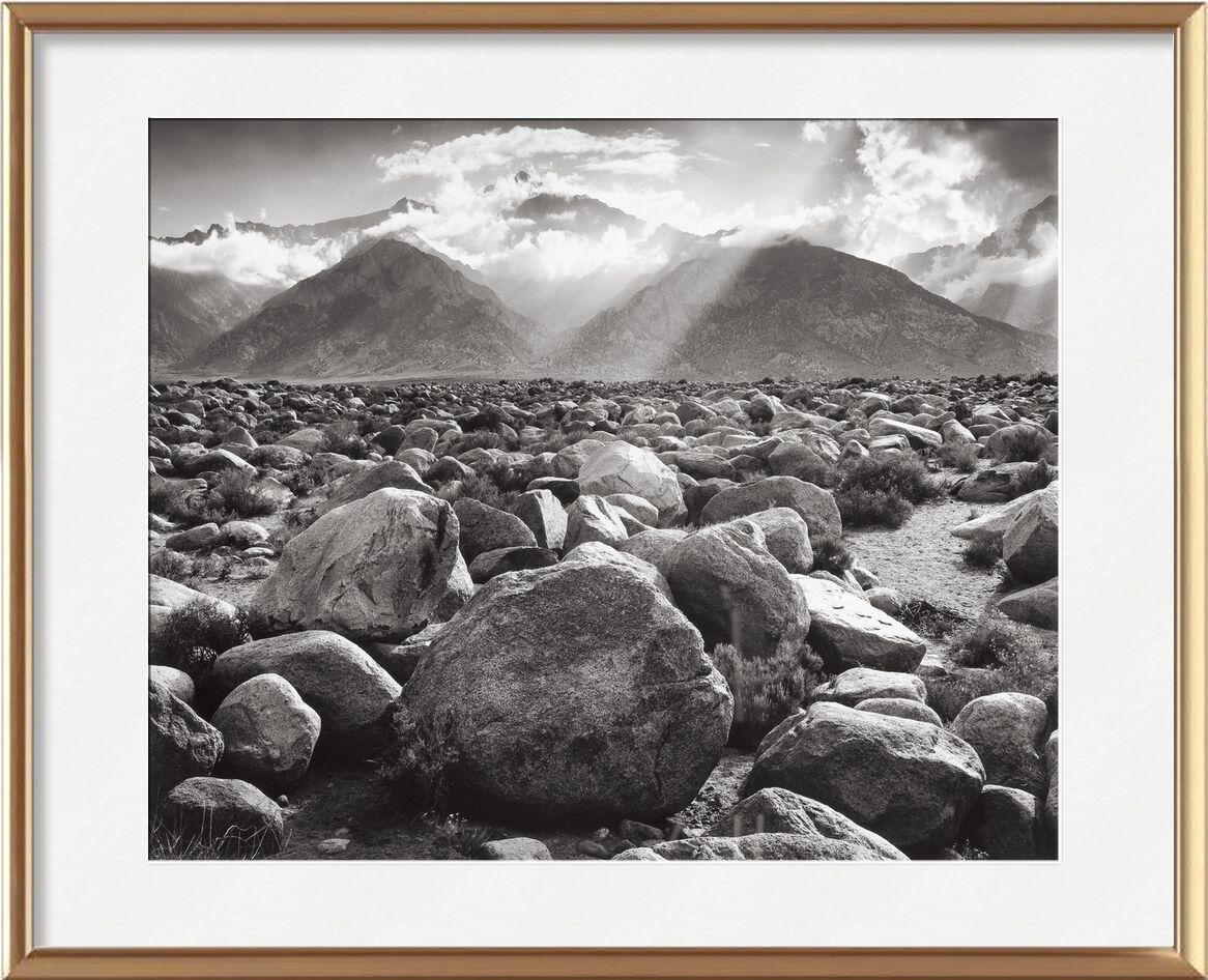 Williamson, ANSEL ADAMS de Aux Beaux-Arts, Prodi Art, ANSEL ADAMS, soleil, noir et blanc, montagnes, nuage, rayon de soleil, nuages, pierres, désert de pierres, pierre