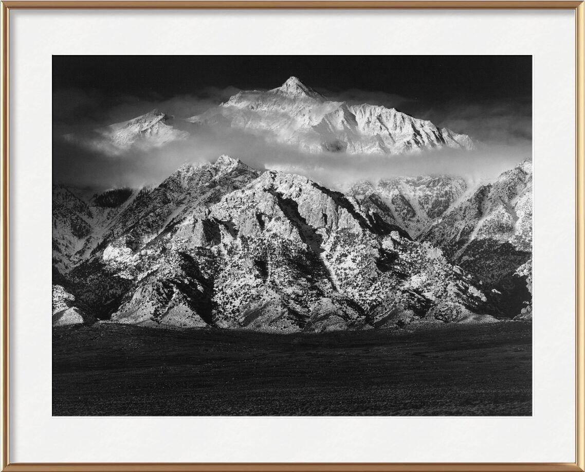 Montagne Williamson, Sierra Nevada - ANSEL ADAMS 1949 de AUX BEAUX-ARTS, Prodi Art, montagnes, ciel, nuages, prairie, noir et blanc, ANSEL ADAMS