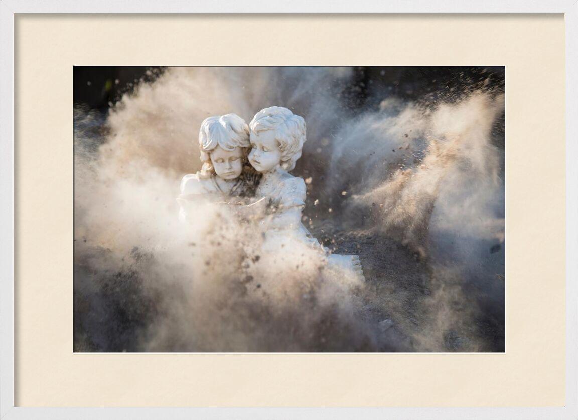 Innocence de Aliss ART, Prodi Art, statues, justifyyourlove, innocent, poussière, endommagé, explosion, angélique, des pierres, des roches, en plein air, fille, lumière du jour, couleurs, garçon, art, abstrait
