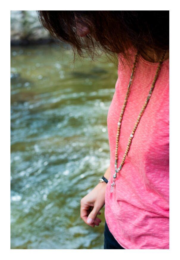 Femme Sauvage de Marie Guibouin, Prodi Art, méditation, montolieu, marie guibouin, rivière, carine dumez, quartz rose, mauvais