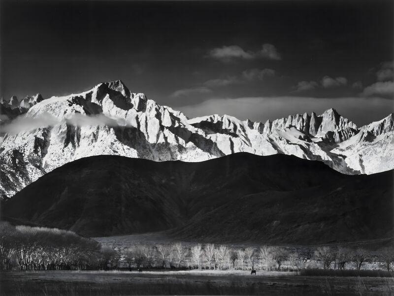 Winter Sunrise from Lone Pine, Sierra Nevada - Ansel Adams 1944 desde AUX BEAUX-ARTS Decor Image