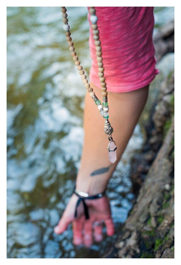 Le Flow de la Vie... de Marie Guibouin, Prodi Art, plume, marie guibouin, tatoo, femme, quartz rose, mauvais, tatouage
