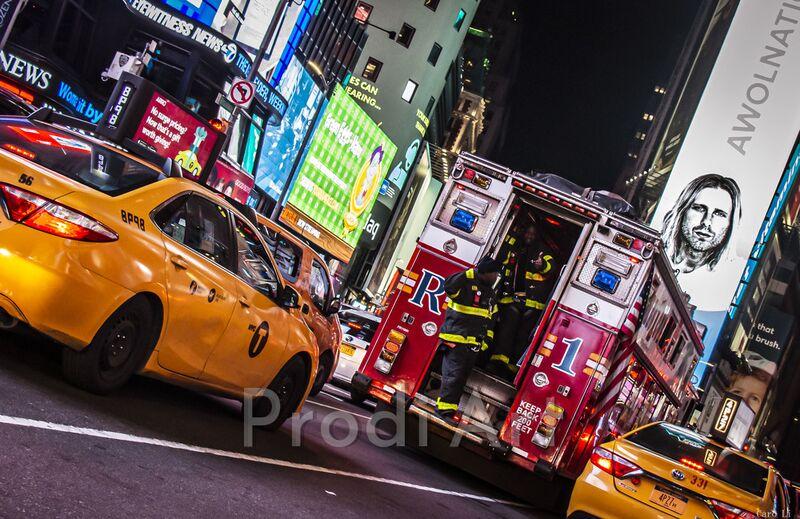 NY Street 2 de Caro Li Decor Image