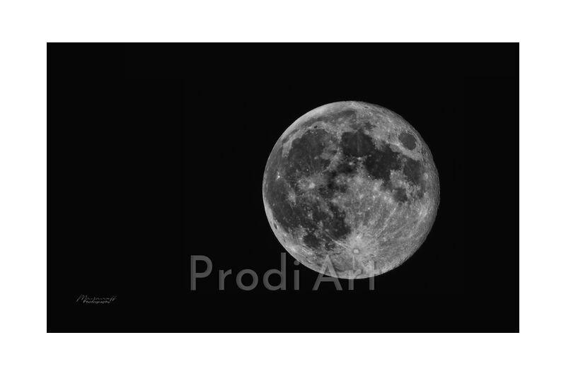 "Lunar Beauty from Mayanoff Photography, Prodi Art, <font style=""vertical-align: inherit;""><, <font style=""vertical-align: inherit;""><, <font style=""vertical-align: inherit;""><, <font style=""vertical-align: inherit;""><"