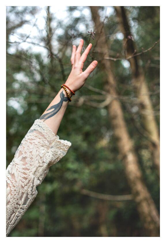 Marion de Marie Guibouin, Prodi Art, main, nature, féminin, femme, tatouage