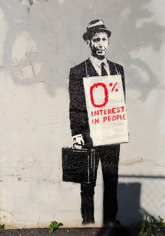 0% Interest - BANKSY desde AUX BEAUX-ARTS Decor Image