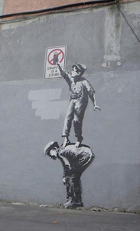 Graffiti Is a Crime - BANKSY desde AUX BEAUX-ARTS Decor Image