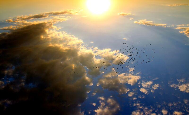 Vol au dessus du soleil de Pierre Gaultier Decor Image