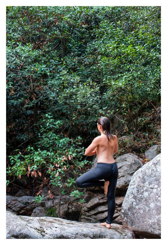 Ancrage de Marie Guibouin, Prodi Art, ancrage, yoga, femme, marie guibouin, christelle guibouin, rivière