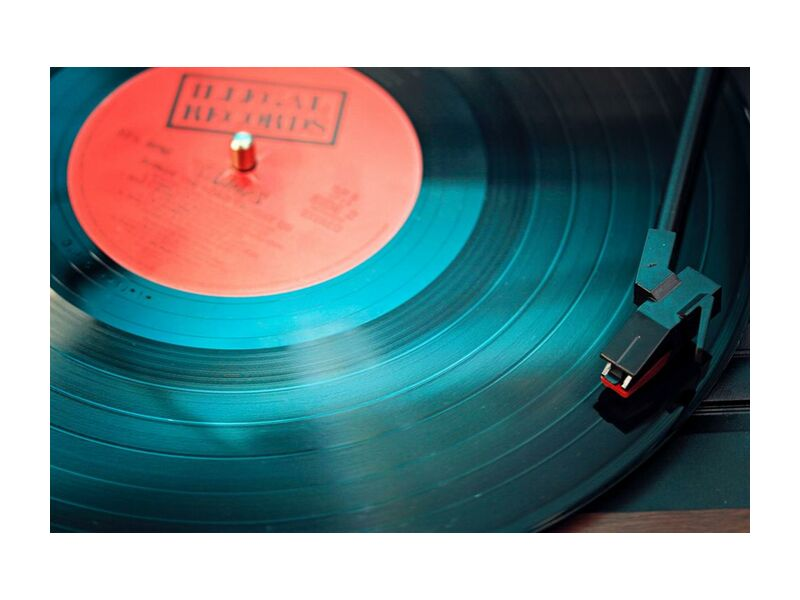 Couleur plastique from Aliss ART, Prodi Art, audio, close-up, electronics, equipment, indoors, music, plastic, record, retro, round, sound, technology, vintage, vinyl, gramophone, music player, phonograph record, player, record player, turntable, vintage collection, vinyl record