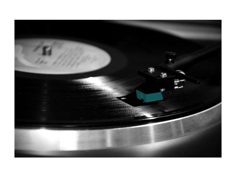 La tête du vinyle from Aliss ART, Prodi Art, black, close-up, indoors, phonograph record, record, technology, vinyl