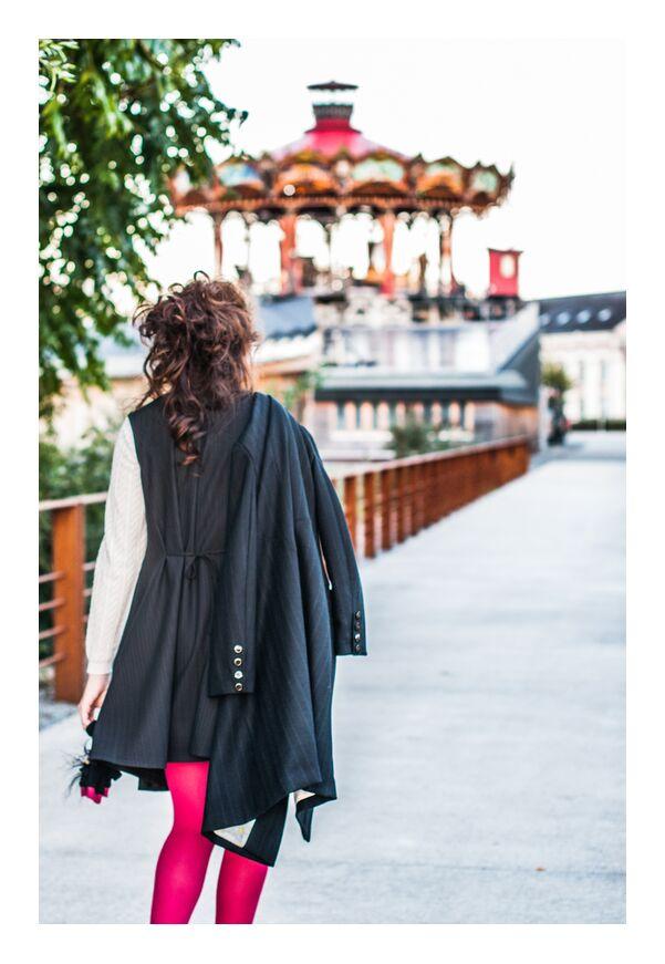 Iacta de Marie Guibouin, Prodi Art, marie guibouin, artisanat, art, artiste, femme, carrousel, Marin, nantes, machines de l'ile, vêtement