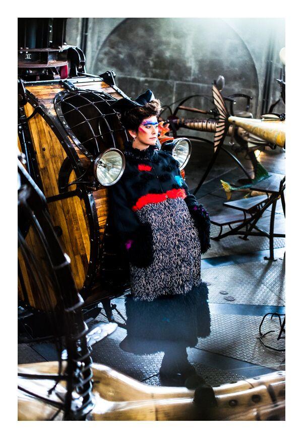 Laurence Groyer de Marie Guibouin, Prodi Art, femme, Marin, poisson, marie guibouin, carrousel, machines de l'ile, nantes, maquillage, laurence groyer, manteau, jules verne