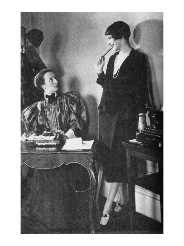 Lois Long at her New Yorker office - Edward Steichen 1921 from Aux Beaux-Arts, Prodi Art, woman, dress, black-and-white, edward steichen, desk, job, secretary