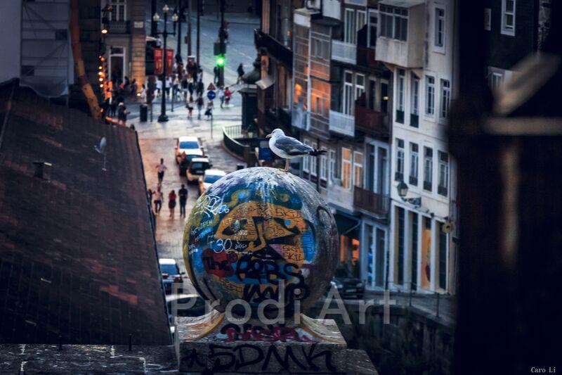 The Street de Caro Li Decor Image