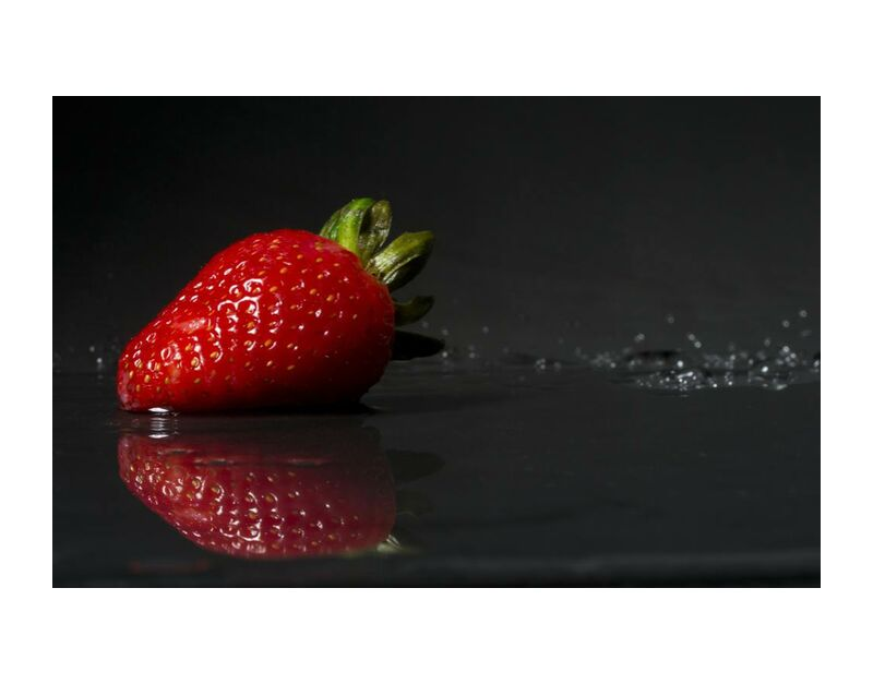 The strawberry from Pierre Gaultier, Prodi Art, images, domain, public, wet, sweet, strawberry, life, still, reflection, red, juicy, fruit, freshness, fresh, food, epicure, delicious, close-up, berry