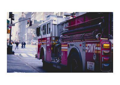 Fire Truck de Caro Li, Prodi Art, Photographie d'art, Impression d'art, Tailles de cadre standard, Prodi Art